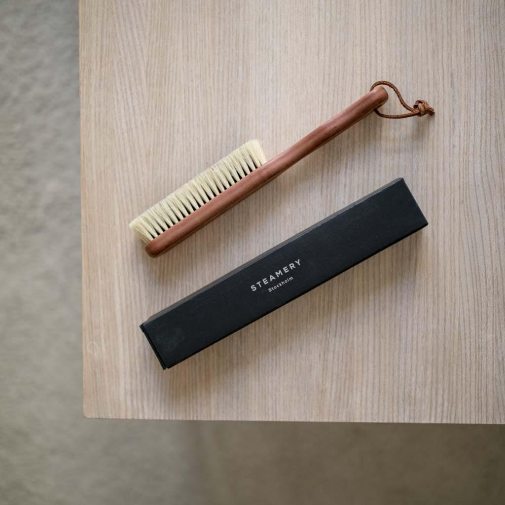 Pear Wood Clothing brush - Steamery
